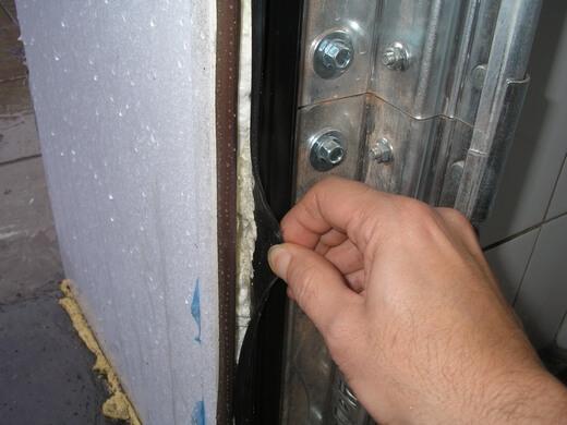 уплотнитель на ворота гаража