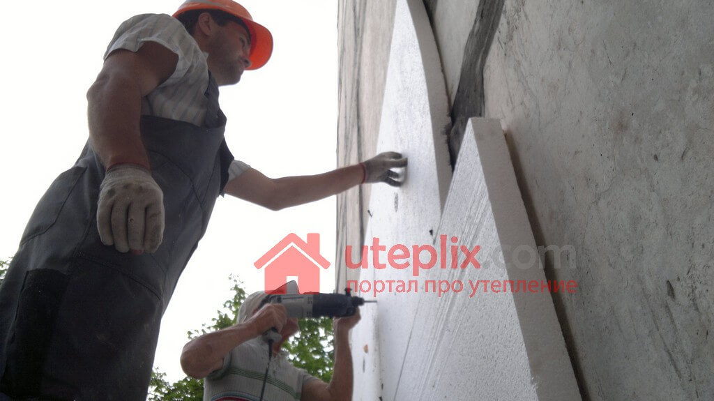 Пенопласт на стену