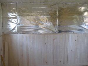 Как правильно положить пароизоляцию на потолок бани