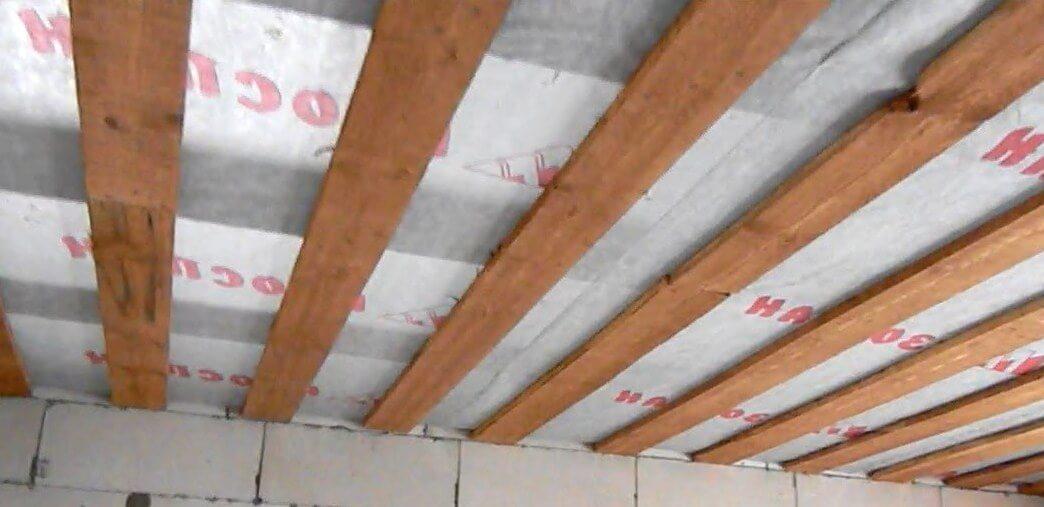 Пароизоляция Изоспан. Потолок
