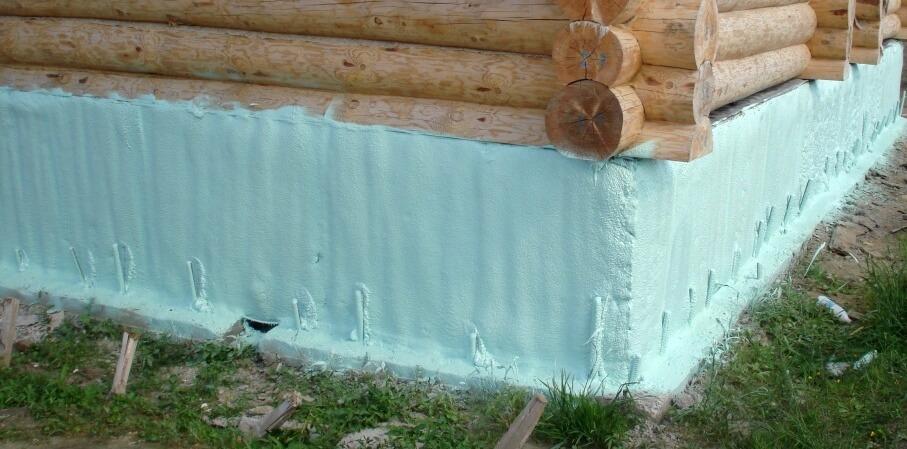 Утепление цоколя деревянного дома. ППУ